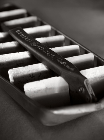 Old ice tray